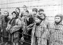 child-survivors-photographed-at-auschwitz-in-1945